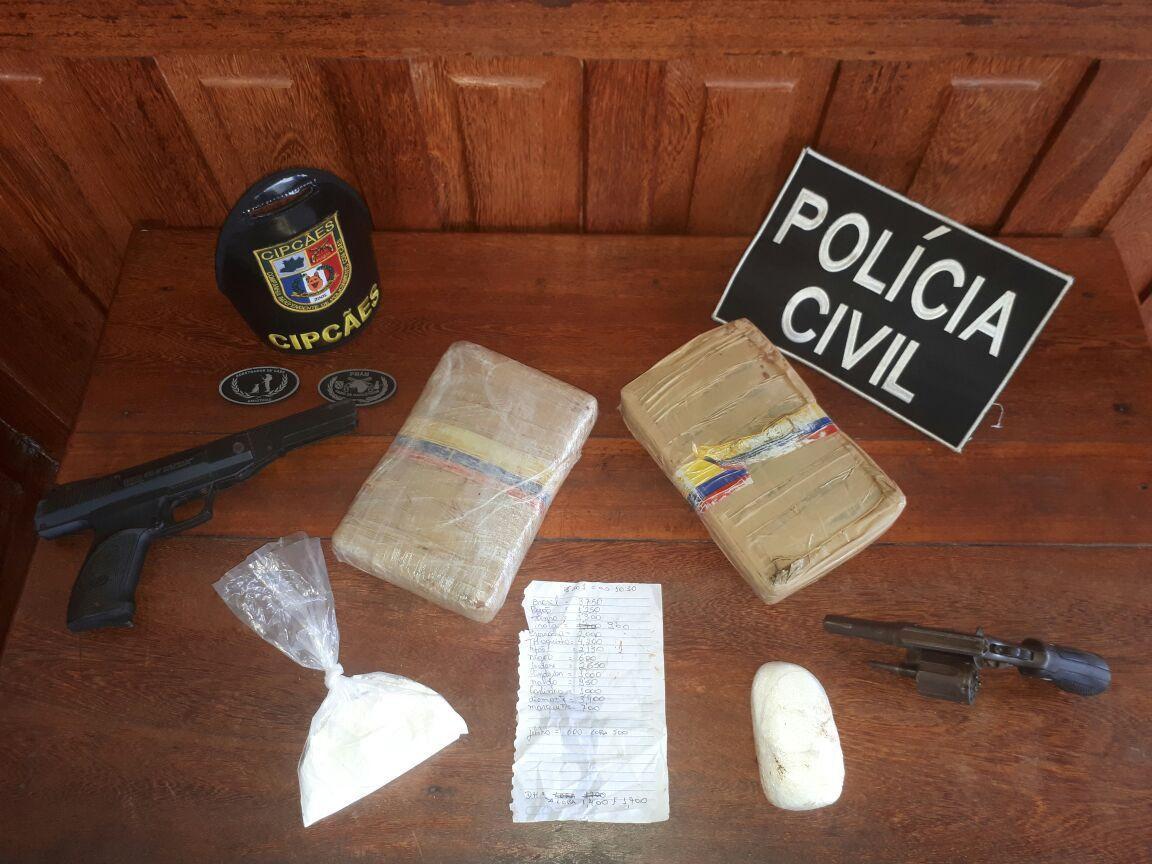 Polícia Civil e CIPCães desarticulam organização criminosa envolvida com o tráfico de drogas em Careiro Castanho