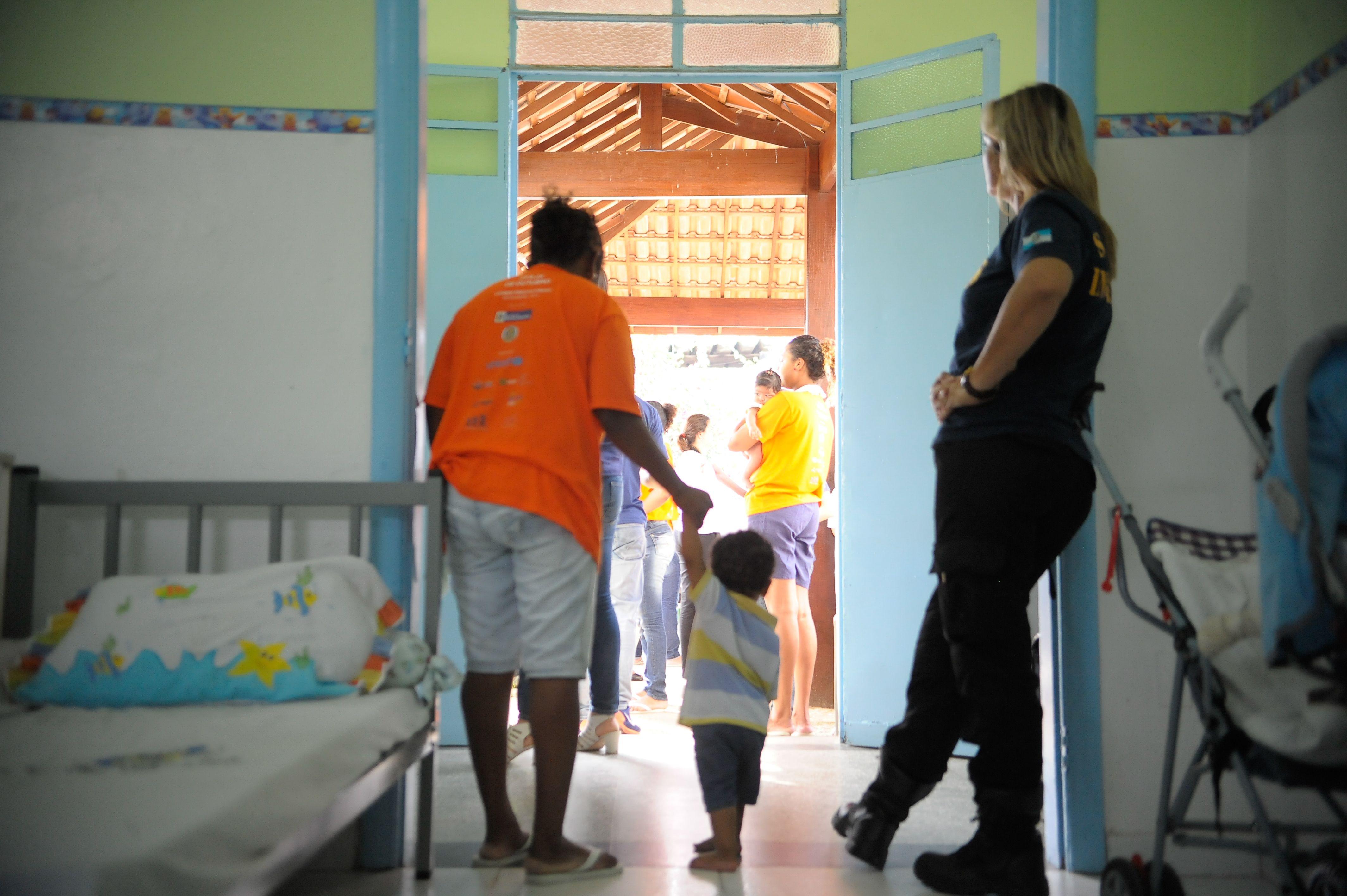 DPE-AM aguarda decisão para 13 pedidos de prisão domiciliar a presas provisórias gestantes ou mães de crianças de até 12 anos de idade