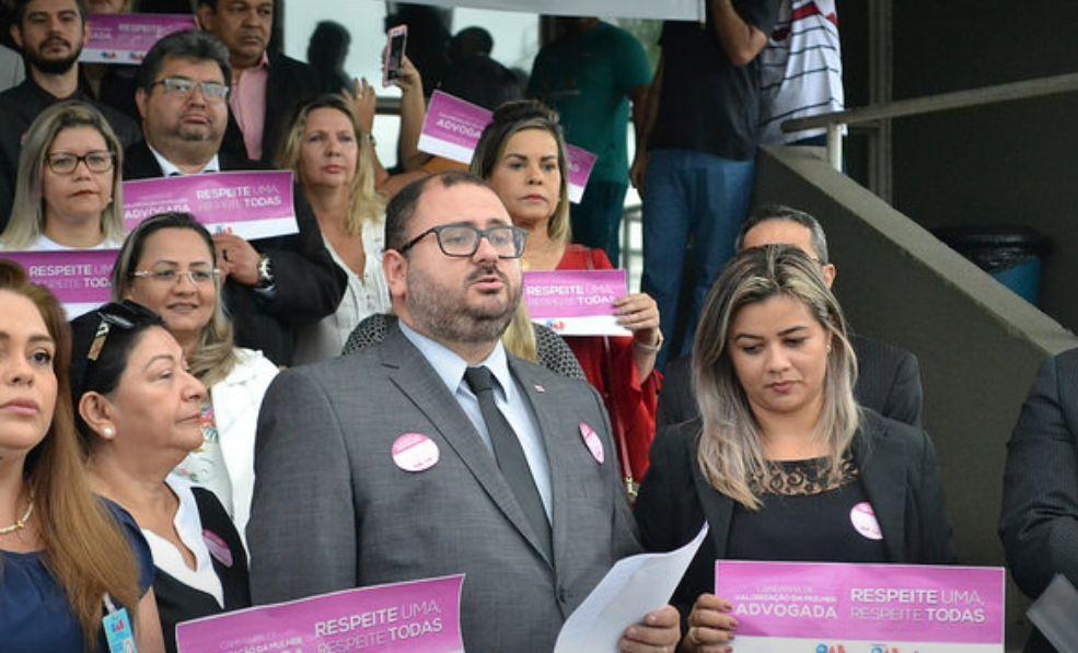 "Advogada agredida por defender ""narcotraficante"" ameaça transferir investigador ""Vivo ou morto"" de Tefé"