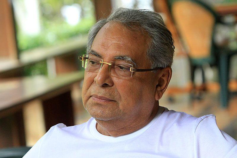 Amazonino diz que não tem condições de jogar futebol; veja o vídeo