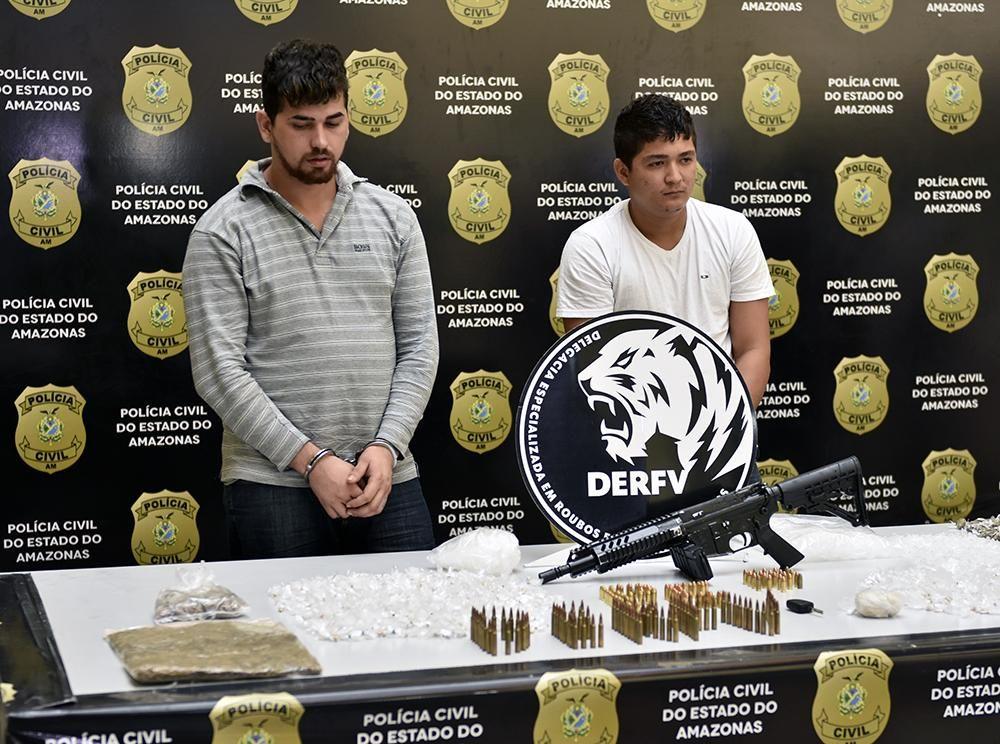 Polícia Civil prende integrantes de quadrilha especializada em roubos de veículos com fuzil