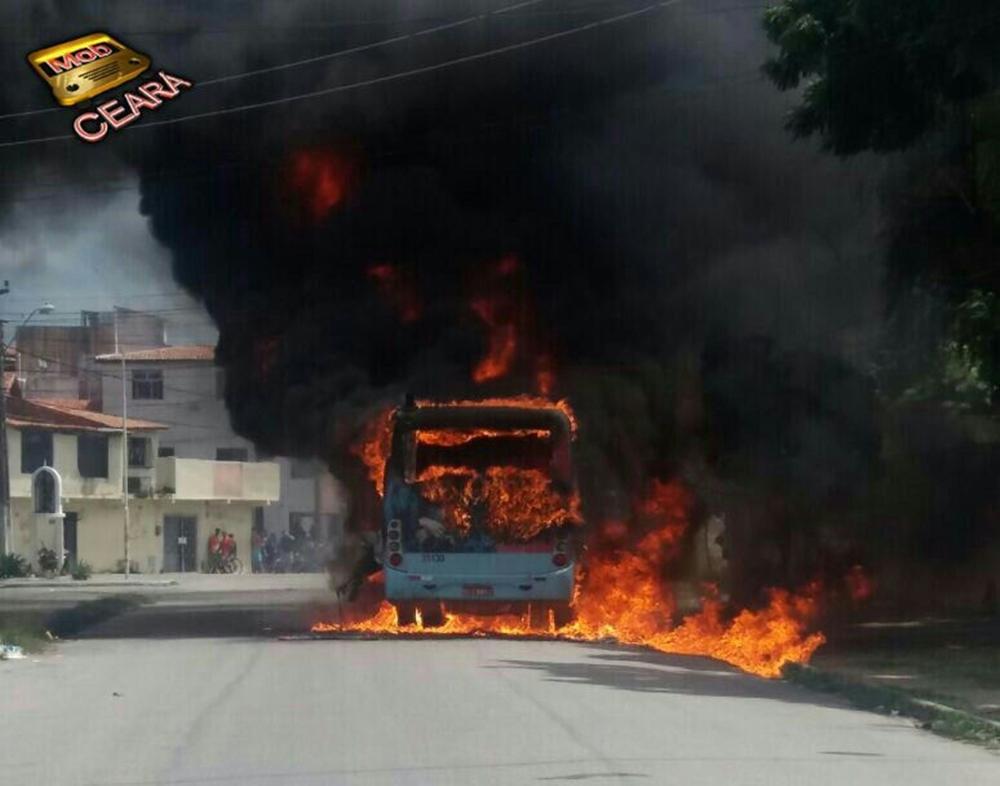 Incêndios criminosos ameaçam o transporte público