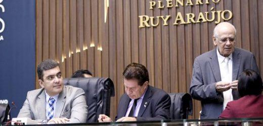 ALE autoriza Wilson Lima demitir empresas medicas e contratar temporários
