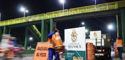 Três novas passarelas da capital são revitalizadas pela prefeitura