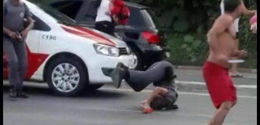 Homem parte para cima de PM com faca na mão (veja o vídeo)