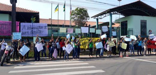 Estudantes da UEA de Tefé fazem manifestação por falta de professores