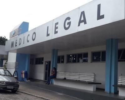 Dupla executa adolescente com oito tiros em beco de Manaus