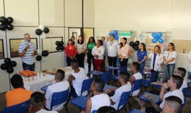 Detentos do Puraquequara recebem certificado do Curso de Barbeiro