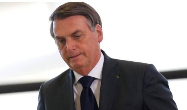 Pega essa grana e refloreste a Alemanha, tá ok?', diz Bolsonaro em recado a Angela Merkel