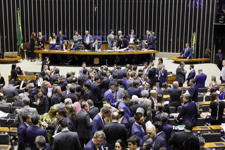 Câmara aprova projeto que altera regras eleitorais