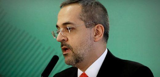"""""""PT, Esquerda e Globo"""" foram as palavras mais usadas por ministro da educação em Manaus"""