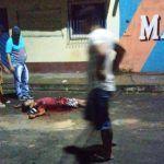 Homem é morto com 20 facadas durante briga de galera, em Tefé