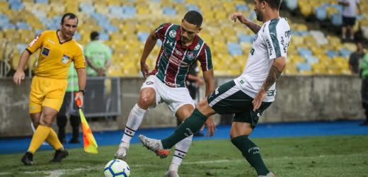 Fluminense renova contrato com lateral-direito Gilberto até 2022