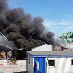 Pelo menos 43 pessoas morrem em incêndio que atingiu fábrica