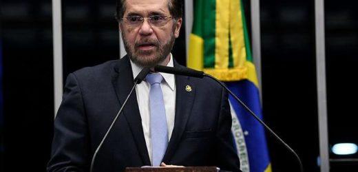 Plínio Valério propõe tirar apoio da bancada do Amazonas ao governo