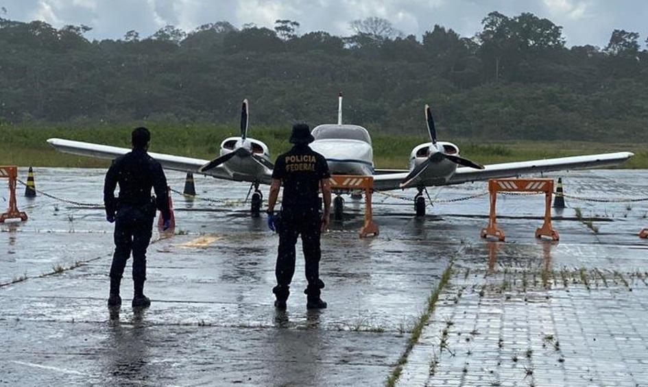 PF prende no aeroporto de Coari dois indivíduos por tráfico internacional de drogas