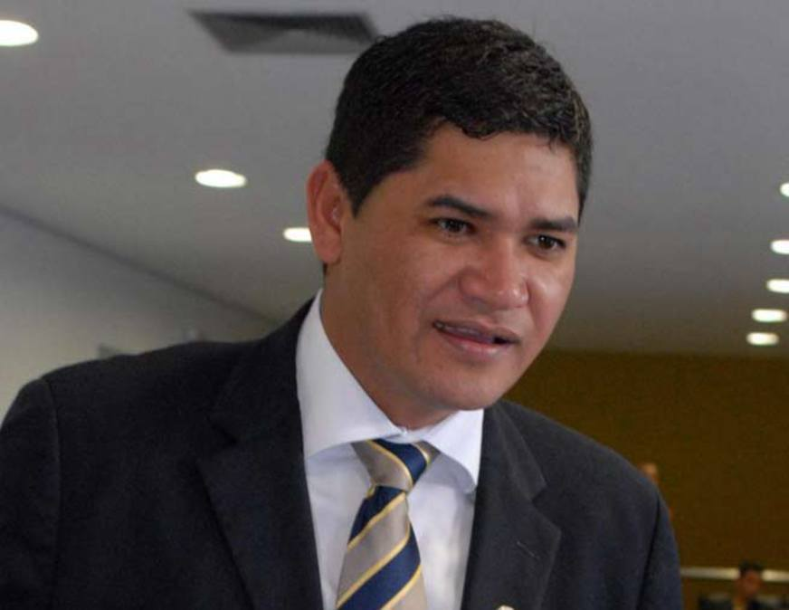 Bi Garcia perde ação sobre propaganda negativa na internet