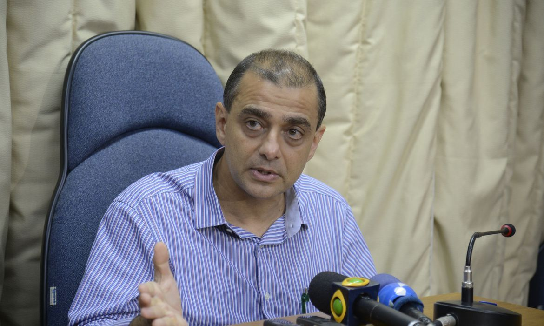 MP prende ex-secretário de Saúde do Rio Edmar Santos