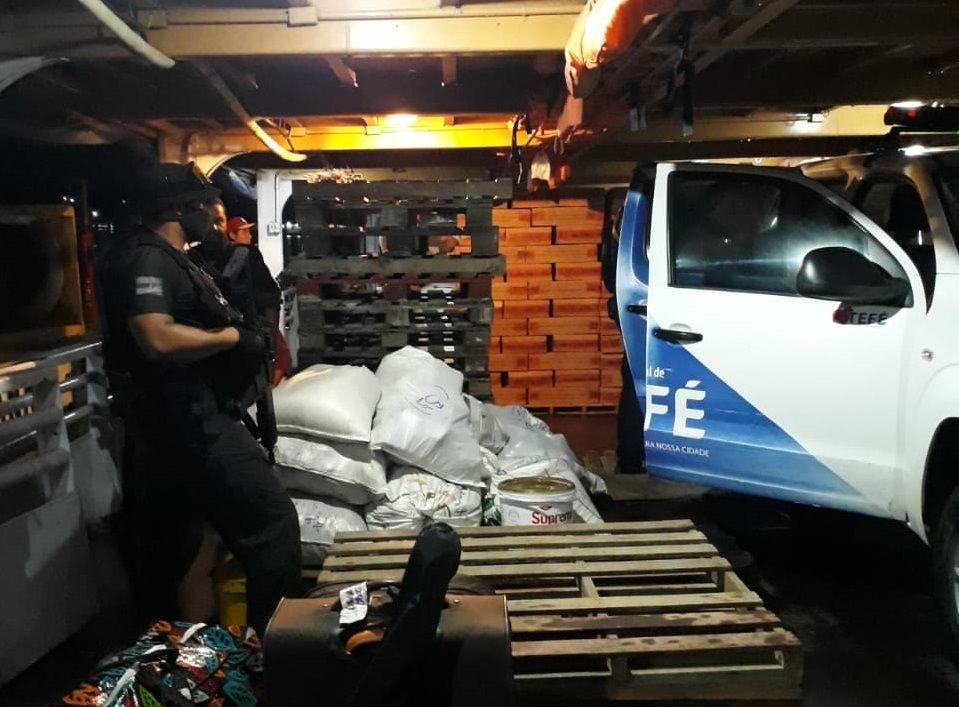 Polícia encontra drogas dentro de viatura da guarda municipal de Tefé
