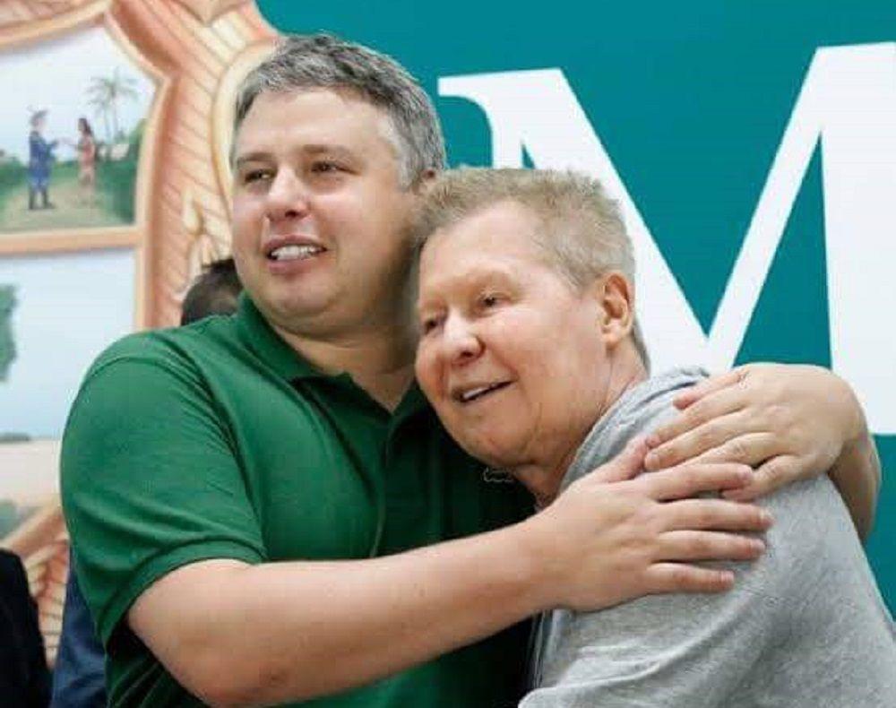 Arthur Bisneto é levado as presas em UTI para hospital em São Paulo