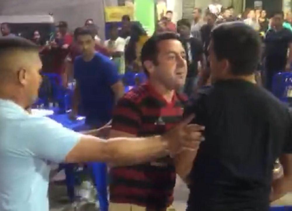 Segurança de Carlinhos Bessa é impedido de atirar contra multidão (Veja o vídeo)