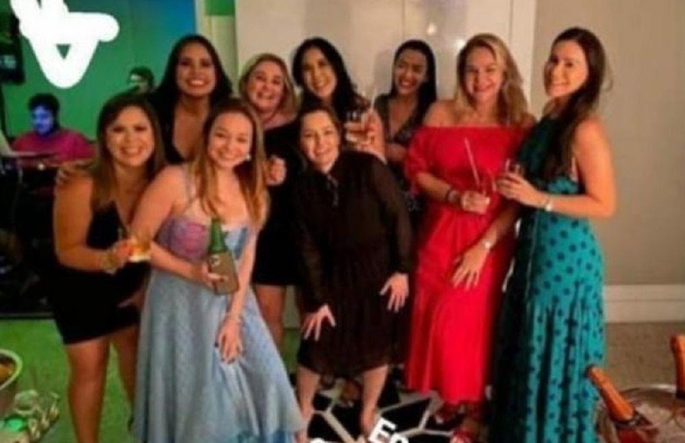 'Comércio fechado e festa na casa de Wilson Lima', afirmam internautas