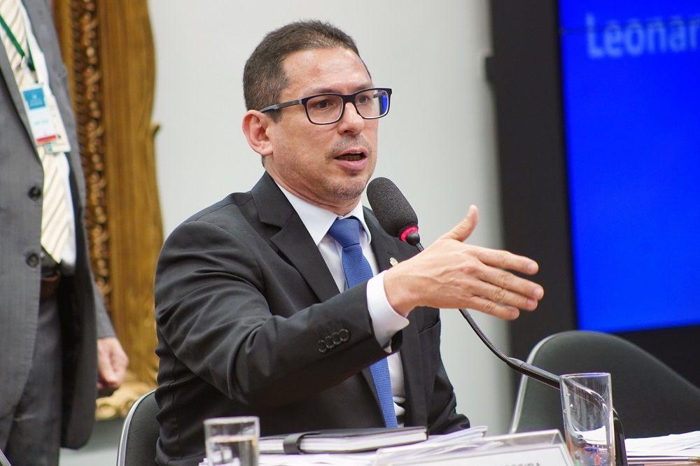 Marcelo Ramos diz que não é da base de Bolsonaro e que gosta de Ciro Gomes