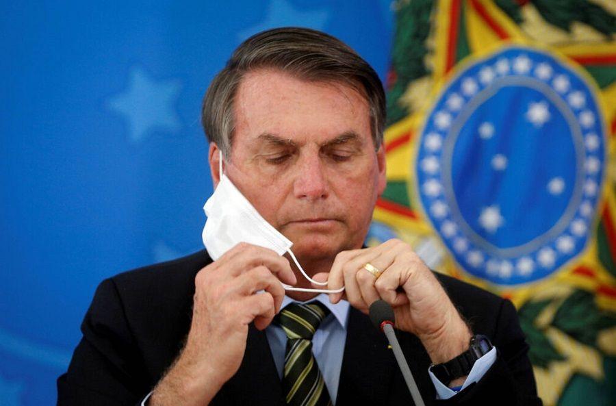 Governo Bolsonaro tenta mudar discurso sobre pandemia para conter crise e pressão por impeachment