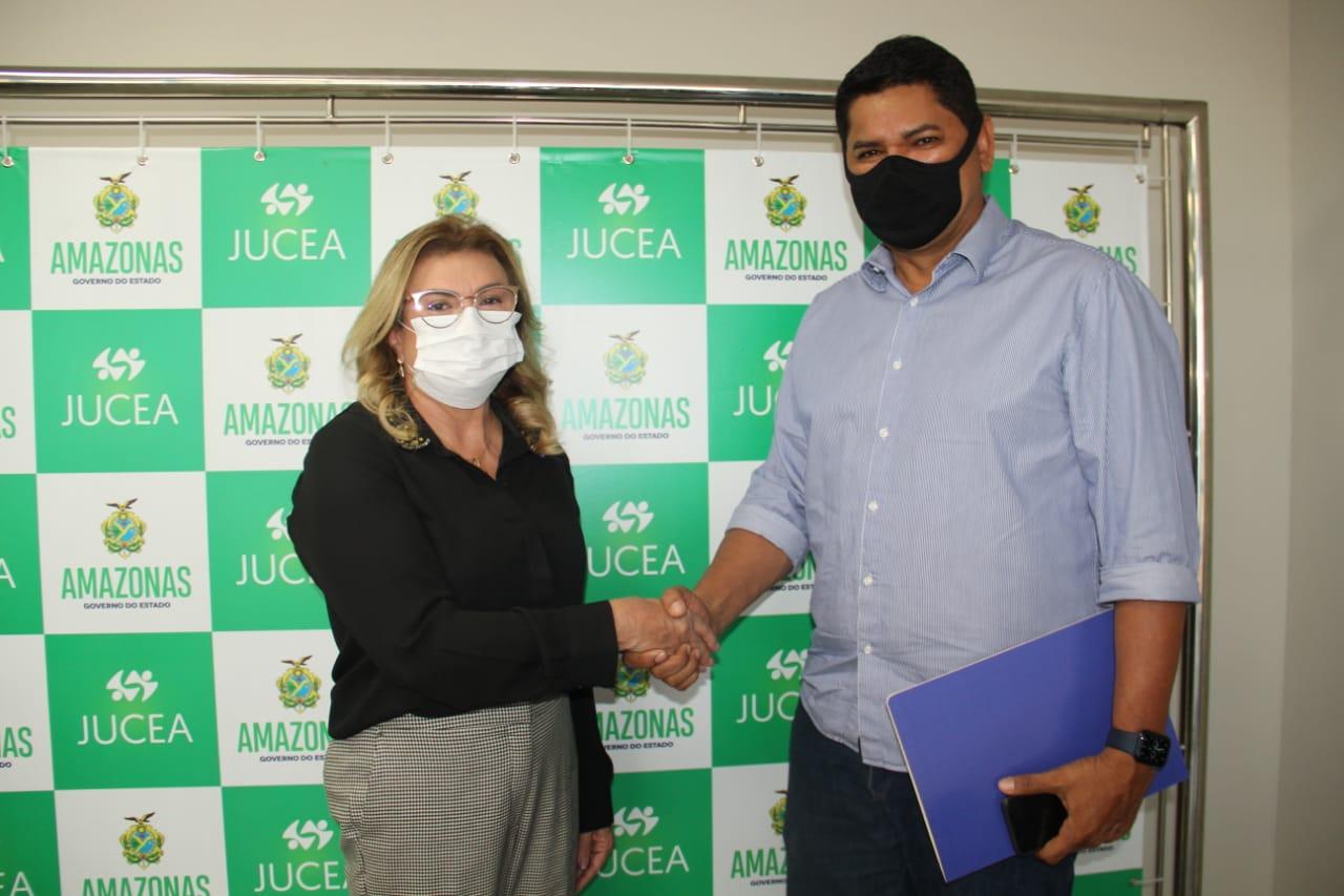 Bi Garcia conquista instalação da JUCEA em Parintins