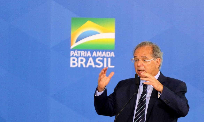 Prioridade zero é Bolsa Família de R$ 300, diz ministro